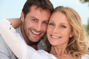 couple with healthy smiles